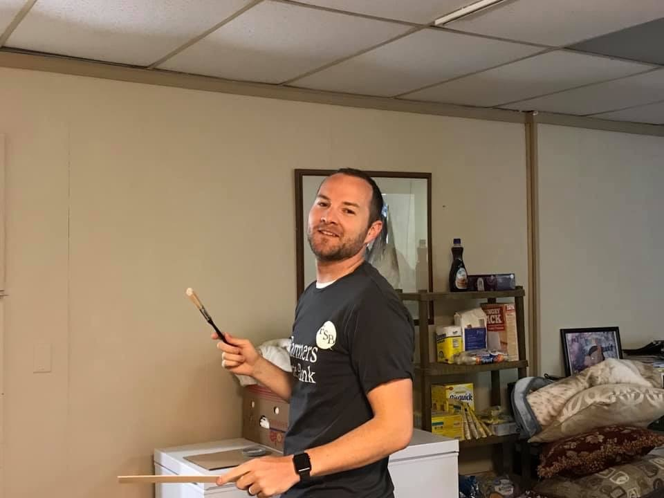 Employees volunteering at United Way Day of Caring May 2019